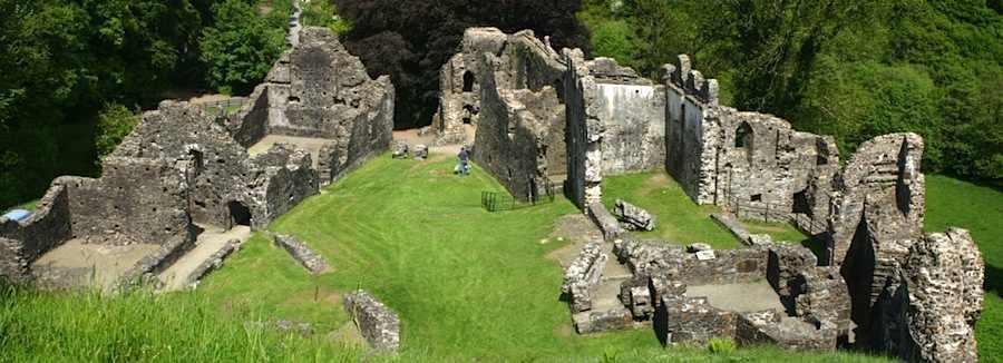 Visit Okehampton Castle From Appledore Park Campsite